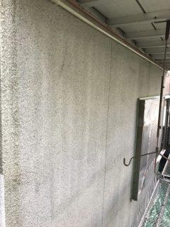 三木市緑が丘の外壁塗装(下塗り)